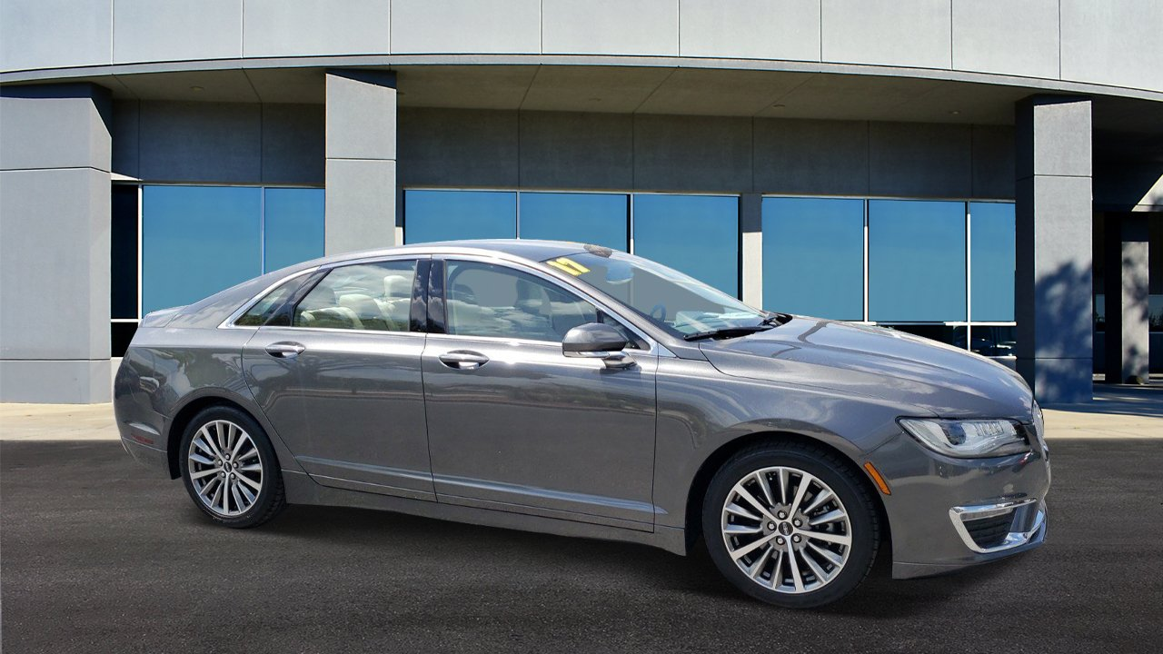Pre-Owned 2017 Lincoln MKZ Premiere