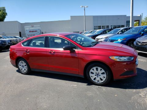 Pre-Owned 2014 Ford Fusion S