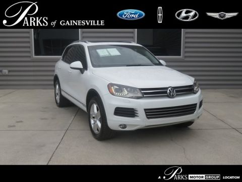 Pre-Owned 2014 Volkswagen Touareg X